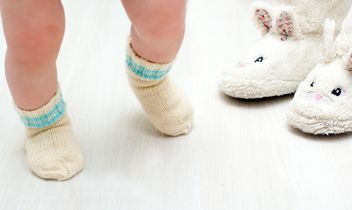 Legs of child in warm socks - бесплатный image #347923