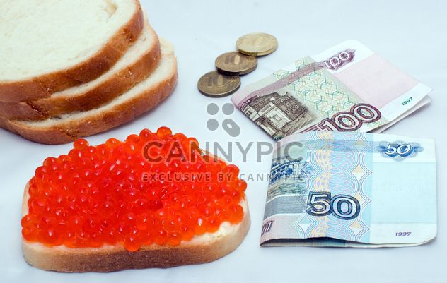 Money and sandwich with red caviar - Free image #347943