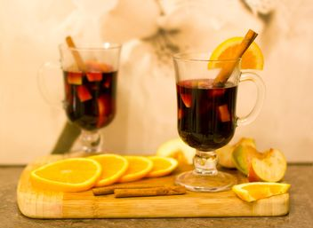Mulled wine, orange sliced, apples and cinnamon - бесплатный image #348043