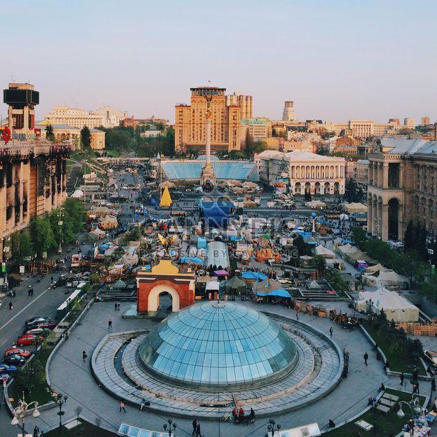 Vista aérea de Maidan Nezalezhnosti, Kiev, Ucrania. Plaza de la independencia - image #363713 gratis