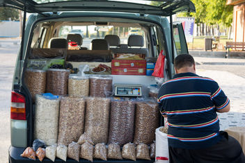 pistachio seller - бесплатный image #398323