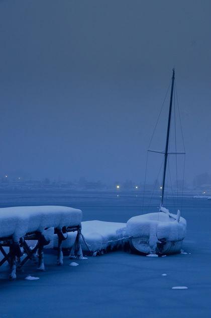 Lake in snowstorm - image gratuit #420843
