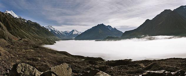 Mist over Tasman Lake - image #427393 gratis