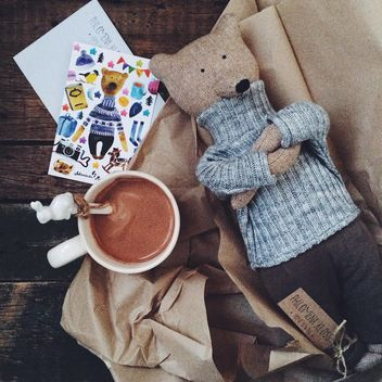 Toy bear and cup of hot cocoa - Kostenloses image #136253