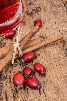 Rose hips and cinnamon - image gratuit #182933