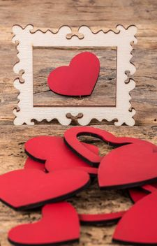 Red wooden hearts - image #183013 gratis