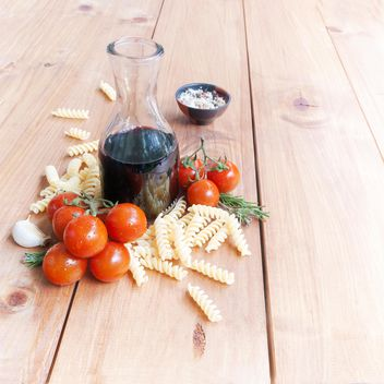 Pasta and vine - image #183343 gratis