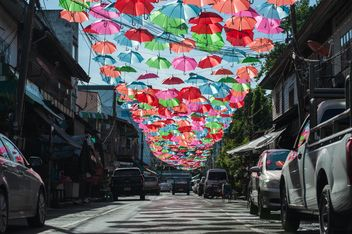 Colorful umbrellas - image #186553 gratis
