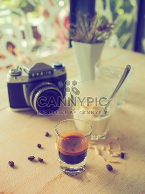 Affogato coffee and retro camera - бесплатный image #186953