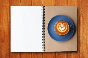 Coffee and notebook - image #186973 gratis