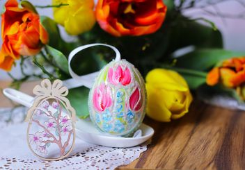 Painted Easter egg in spoon - Free image #187563