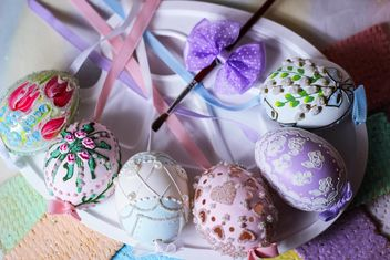 Easter eggs on plate - бесплатный image #187593