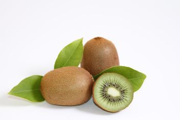 Kiwis isolated on white background - image gratuit #187823