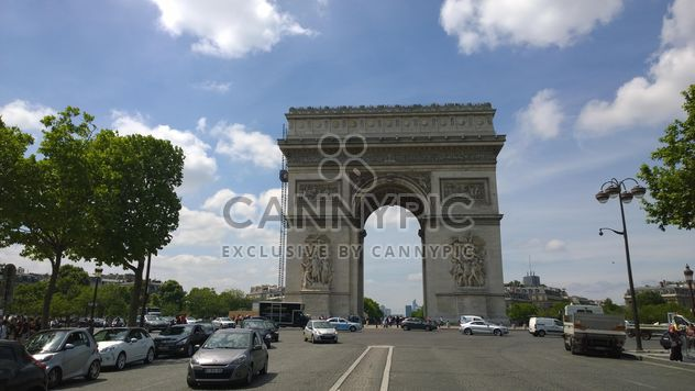 Road to Arc de triomphe#architecture #building #travel #europe #french #france #sky #clouds #tall#street #road #car #auto#traffic#tree#paris#arch#gate#facade#restoration - Free image #199833