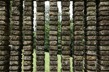 View through an Old Brick Wall - Kostenloses image #276453