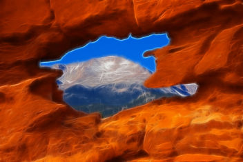 Pikes Peak, part of the Rocky Mountains bordered by the Simese Twins in Garden of the Gods Park, Colorado Springs, CO, Fractalius Filter, America the Beautiful - image gratuit #279533