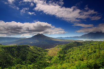 Batur Volcano and Lake - image #280083 gratis