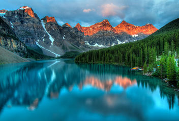 Moraine Lake Sunrise - image #286903 gratis