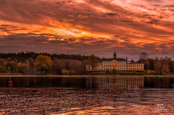 Ulriksdals Slott in fall and sunset - Free image #291283
