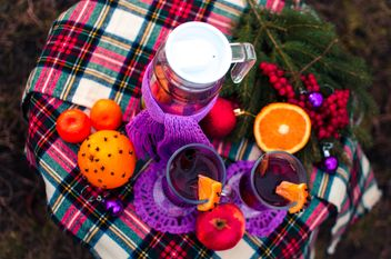 hot mulled wine in beautiful glasses - image gratuit #297513