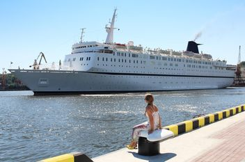 large beautiful cruise ship at sea - бесплатный image #301603