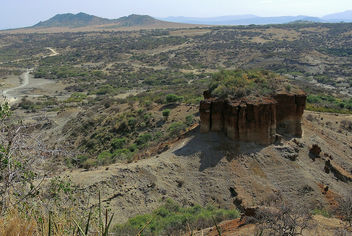 Tanzania (Oldupai Gorge) The bones of the earliest hominids dated 3.6 million years ago found here - Free image #301903