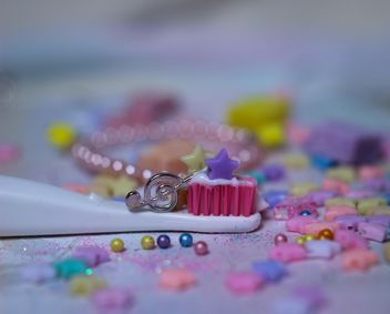 toothbrush deorated with sweet candy stars - бесплатный image #302413