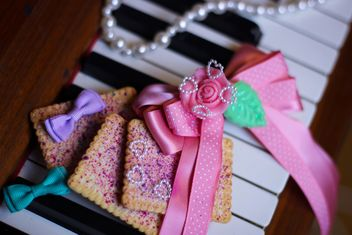 Decorated piano - Free image #302563