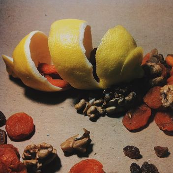 Lemon peel with dried apricots - Kostenloses image #302843