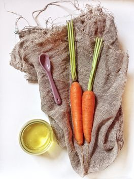 Two carrots - image gratuit #302903