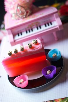 Decorated piano - image gratuit #302963