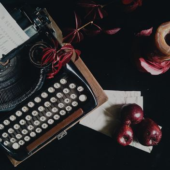 Typewriter with red apples - image #303363 gratis