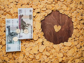 Cornflakes and money - бесплатный image #304693