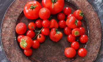 red fruits - image #319923 gratis