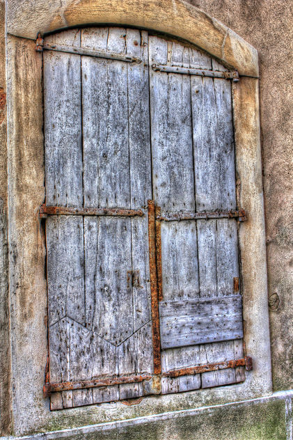 Weathered & Worn Window Shutters - image gratuit #324593
