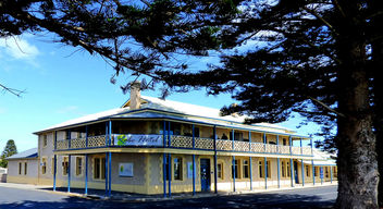 Robe Hotel South Australia #dailyshoot - Free image #324603