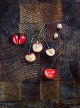 White cherries - image gratuit #326523