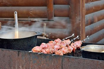 Barbecue outdoors - image gratuit #330673