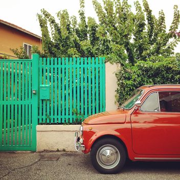Red Fiat 500 car - image gratuit #331223