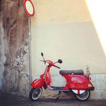 Red Vespa scooter - image #331443 gratis