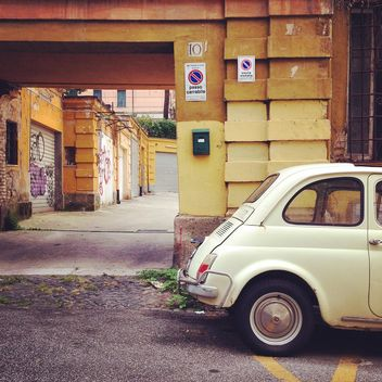 Fiat 500 in street of Rome - Free image #331583