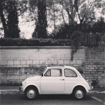 Fiat 500, black and white - image gratuit #331713