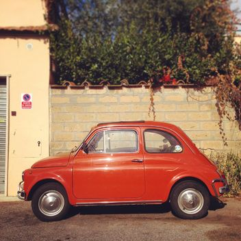 Old red Fiat car - image gratuit #331733