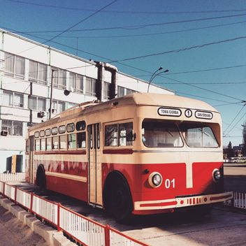 Old red bus - image gratuit #332133