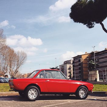 Old red Lancia car - image gratuit #332193