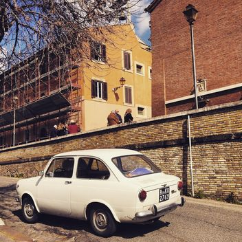 Old Fiat 850 car in street - image #332263 gratis