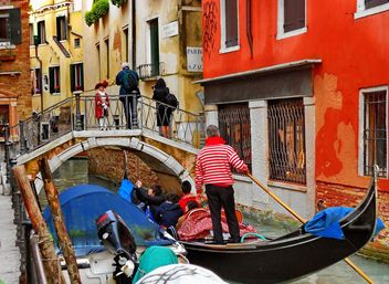 Gondolas on canal in Venice - image #333673 gratis