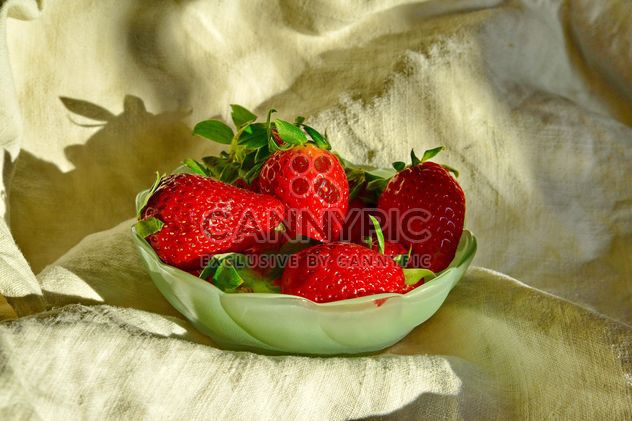 still life of strawberries - Free image #334273