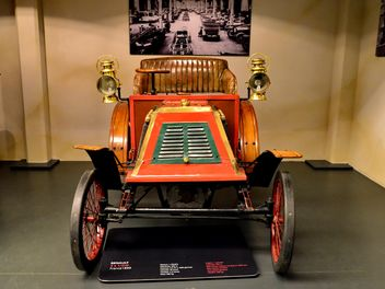 vintage cars in museum - Kostenloses image #334843