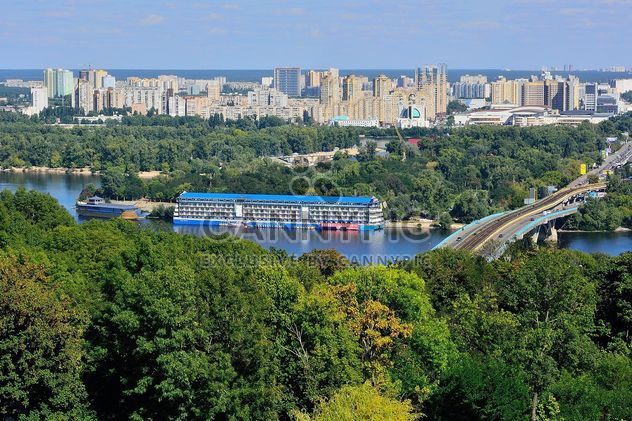 The views of the Dnipro and left shore of Kiev - image gratuit #335073